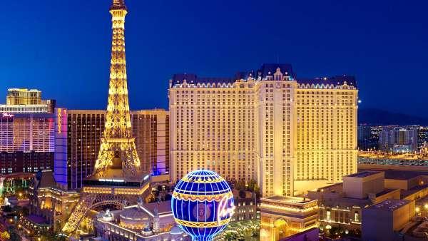 Các khách sạn lớn ở Las Vegas sử dụng mạng xã hội như thế nào?