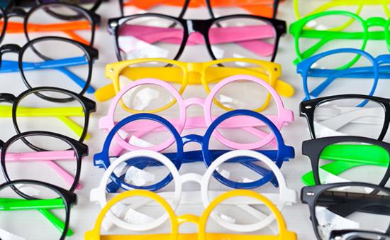 kinh doanh mắt kính
